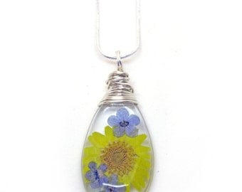 Daisy and Forget Me Not Necklace - Real Flowers Encased in Resin - Pressed Flower Jewelry - Resin Necklace - Resin Jewelry