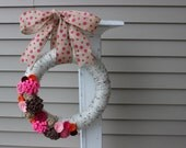 Yarn Wreath/Everyday/Spring/Summer/Pink/Felt Flowers/Rosettes/Burlap Flowers/Roses/Easter/Mother's Day