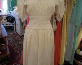 Vintage Ecru Lace Dress