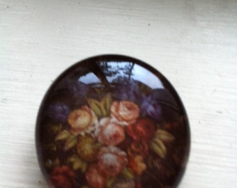 Glass Pin With Roses