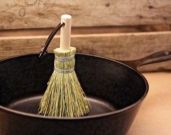Shaker Whisk Amp Dustpan Old Fashioned Cleanup Kit