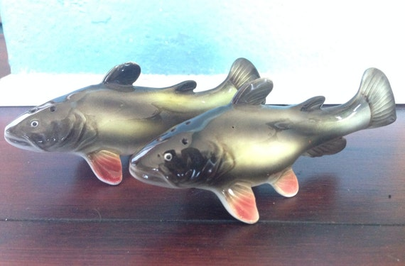 Relco bullhead fish salt and pepper shaker for Fish salt and pepper shakers