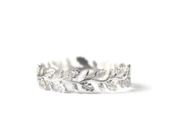 Oak branch dainty ring in sterling silver.