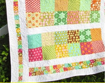 "PDF Pattern- ""Fun and Funky"" easy quilt; Twin, Baby, Full, Queen, King, Lap Quilt;"