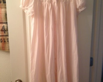 Vintage pink peignoir robe