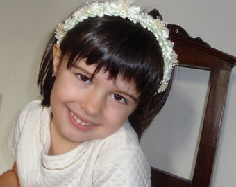 Ivory headband with flowers and small pearls, flower girls headband, first communion headband, special event complement