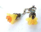 Yellow Orange Lucite Flower Earrings, Flower Earrings, Floral Earrings, Colorful Earrings, Antique Vintage, Lucite Eattings