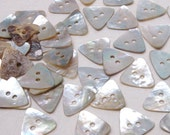 Natural Mother of Pearl Triangle Shape Shell Buttons 16mm X 30pcs  Sewing Craft Art Scrapbook SB063