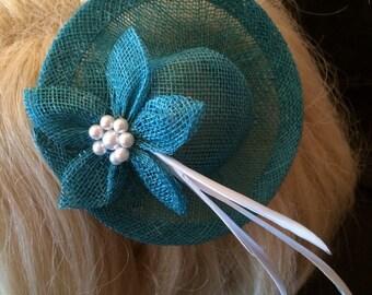 Mini Top Hat Fascinator - Turquoise | Sinamay Fascinator | Wedding Headpiece | Blue Fascinator | Feather Fascinator | Headband fascinator