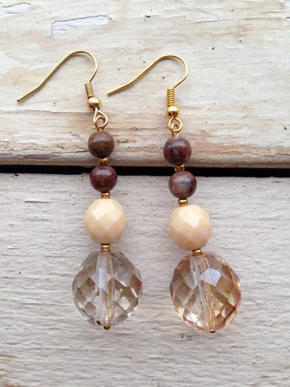 Drop earrings with mixed stones