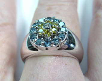14KWG .76 ctw Blue, Yellow & White Diamond Ring - size 8