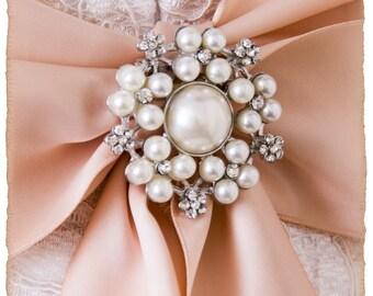 Crystal and Pearl Brooch For Bridal Sash, Bridal Sash Brooch, Wedding Brooch, Bridal Brooch, Bridal Sash Pin