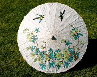 Paper Parasol. Paper Umbrella. Vintage. Green Daisies. Blue and Yellow Birds.