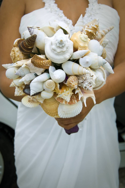 seashell bouquet wedding bouquet alternative bouquet beach. Black Bedroom Furniture Sets. Home Design Ideas