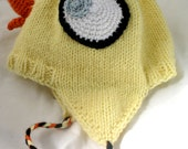 Don't Let the Duckling Wear Your Hat! (Mo Willems Duckling Ear Flap Hat)