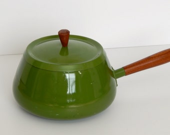 Vintage Green Fondue Pot/Retro Green Fondue Pot/Green Pot with Lid/Wood Handle/Mid Century Fondue Pot/Mid Century Kitchenware