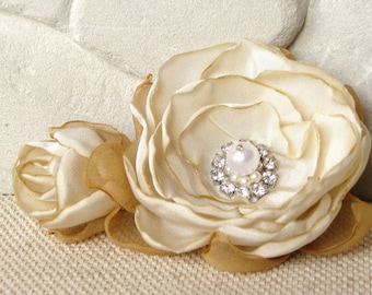 Broche - Ivory Flower - Corsage Pin - Floral Hair Piece - Bridal Hair Piece - Fabric Flower Broche - Hair Accessories - Flower Pin