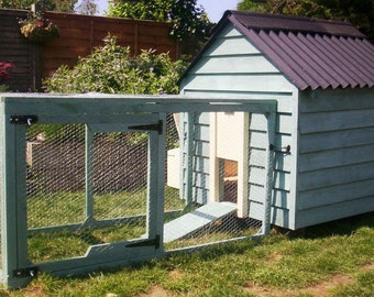 Country Style Painted Chicken Coop