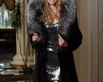 Natural Real Mouton fur coat fur-coat furcoat trimmed / decorated with Finnish Finn Silverfox Silver Fox Fur