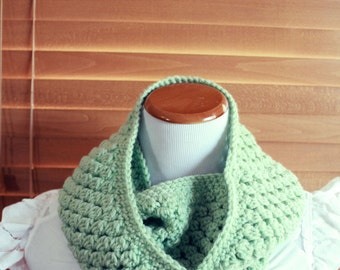 Honeydew Infinity Scarf - Light Minty Green - Ladies Crocheted Infinity Scarf