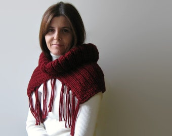 Burgundy Fringe Cowl Scarf, Chunky Wool Cowl, Neck Warmer, Winter Scarf, Knit Snood, Hand Knit Cowl Scarf, Mens Cowl, Womens Scarves