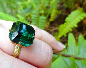 Emerald Green Vintage Czech Glass Cocktail Ring Forest Green Dark Rich Jewel Green Irish Ireland Lovers Gift Summer Color Statement Ring