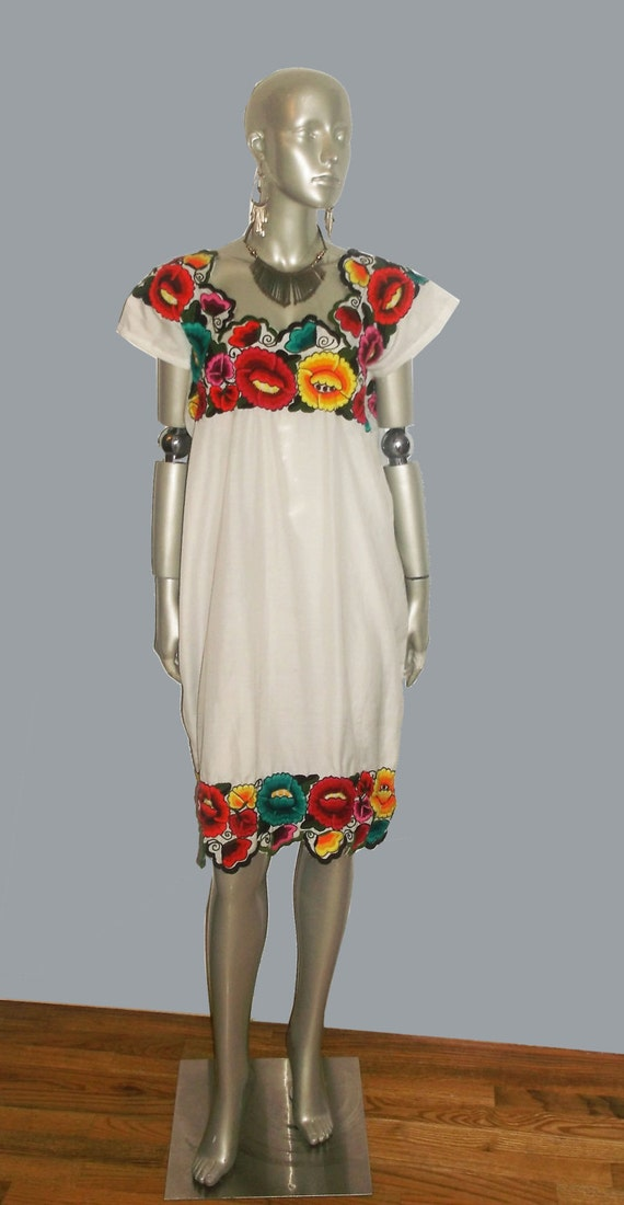 Vintage White Muticolor Floral Scallop Edge Embroidery Ethnic Hippie Boho Kimono Sleeve Multifunctional Short Caftan Dress