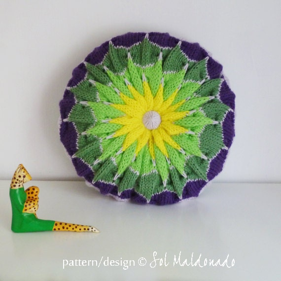 Items similar to Decorative Round Pillow knit pattern PDF Pinwheel - round cushion PHOTO ...