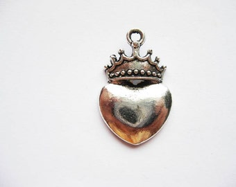 5 Larger Heart Pendants with Crown - C465