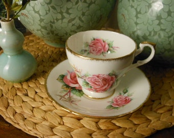 Paragon Teacup and Saucer in Bone China Vintage Made in England Pink Queen Elizabeth Roses and Gold