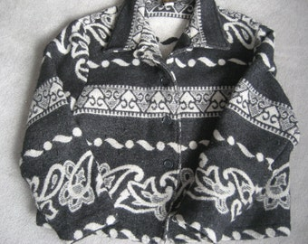 Wool Blanket Jacket - Button-up Crop Style - Tribal  Abstract Design - Ladies Large- American  Made in USA