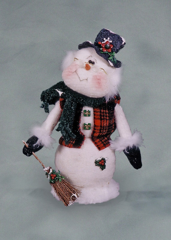 "Pattern: Mr Peaboby - 13"" Christmas Snowman"