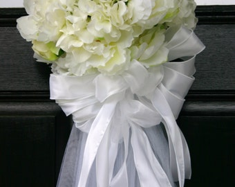 Bridal shower bouquet door decoration