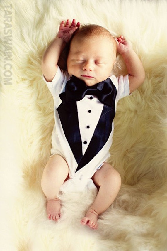 Baby boys dressy clothes for special occasions, weddings, and Christening. Classic rompers and outfits that can be personalized. Designer brand baby clothes for boys by Feltman Brothers, Petit Ami, Sarah Louise, Remember Nugyen and many more.