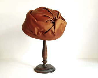 Satin Turban Hat, 1960s Glam Fashion, Copper Boho Accessories, Sheppard of New York, Orange Brown Turban, Mid Century Women Fashion, 1960s