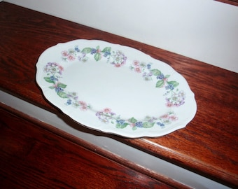 WALBRZYCH POLAND GARLAND Platter Porcelain China Flowers Multi Colored White 22kt Gold Trim Embossed Edge Tray 1950s Excellent Condition