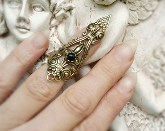 Raven's Dire Nail Ring Claw Ring Vintage Brass filigree with Jet Glass and adjustable band