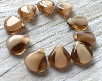 Czech Glass Petal Beads Beige Opaque and beige transparent 10