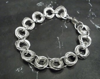 Mobious Love Knot Chainmaille Bracelet