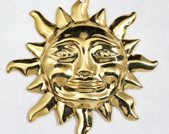 32mm Gold Smiling Sun #2157