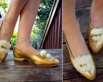 GOLDEN Diva 1960's 70's Vintage Gold Metallic Fur Lined SULTAN Slippers // size 7 M // by Gaymode