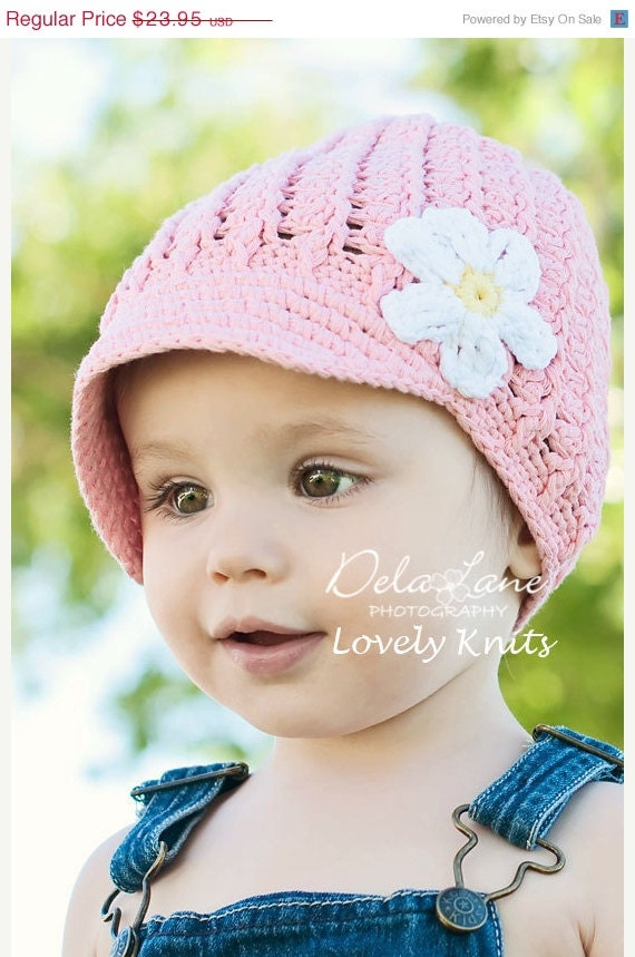 Knit Newsgirl Toddler Hat in Pastel Pink with White Flower - Knit Toddler Hat - Knit Girls Hat