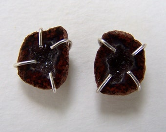 Tabasco Geode Druzy, sterling silver  prong setting earwire