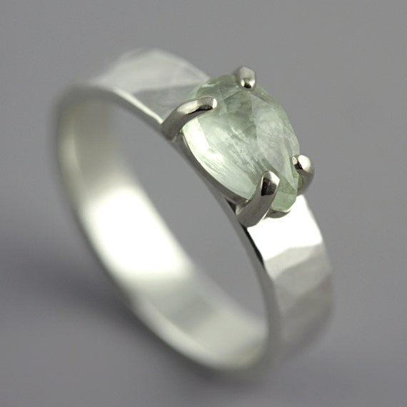 Hammered White Gold Ring with Prehnite - Green Stone Ring - Pear Shaped Stone - Faceted Stone - Alternative Engagement Ring - Made to Order