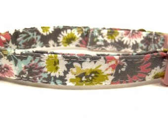 Wildflowers - Organic Cotton CAT Collar Breakaway Safety Gray Floral - All Antique Brass Hardware