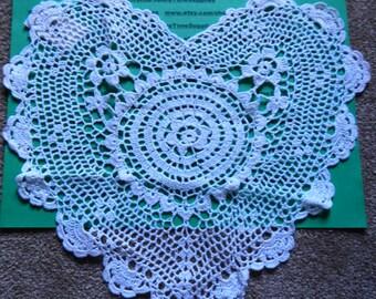 """Annie's Collection - PBC0003W12  Victorian Doily - heart - 12"""" - white - 1 pc"""