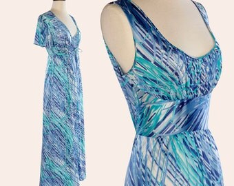 Vintage 70s Nightgown Set / Vanity Fair Nightgown and Robe / Blue Abstract Nightgown Set