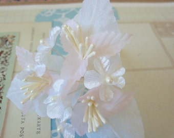 Vintage Millinery / Faint Pink and White Blossoms / Floral Pick / Large Pearlized Stamens
