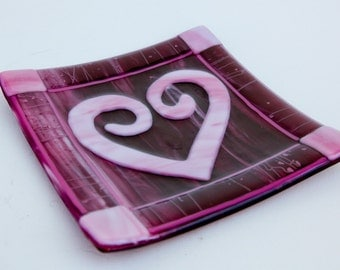Pink & red fused glass stylized heart plate  7x7