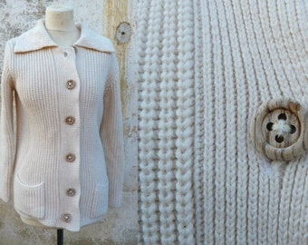 Vintage 1970s/ 1980s  Knit Cardigan with large Collar  Women's Size S/M/L